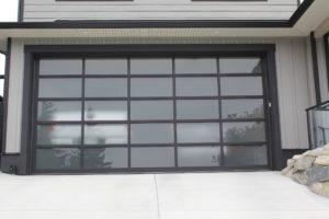 Sechelt Clopay Avante garage door