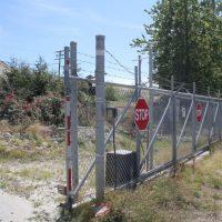 Driveway sliding gates